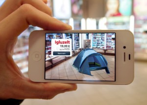 Das Smartphone zeigt in der Filiale verstecke Produkte
